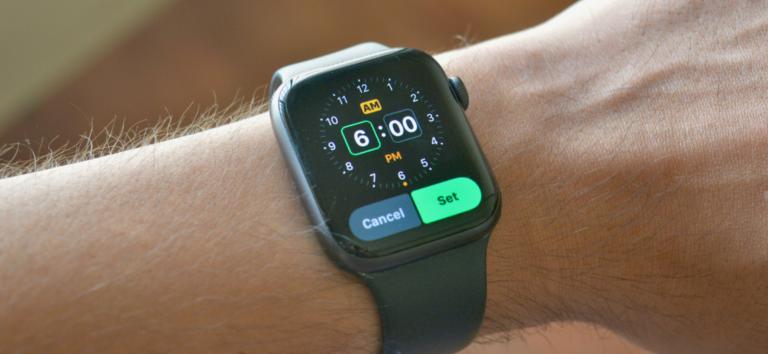 Как установить будильник на Apple Watch