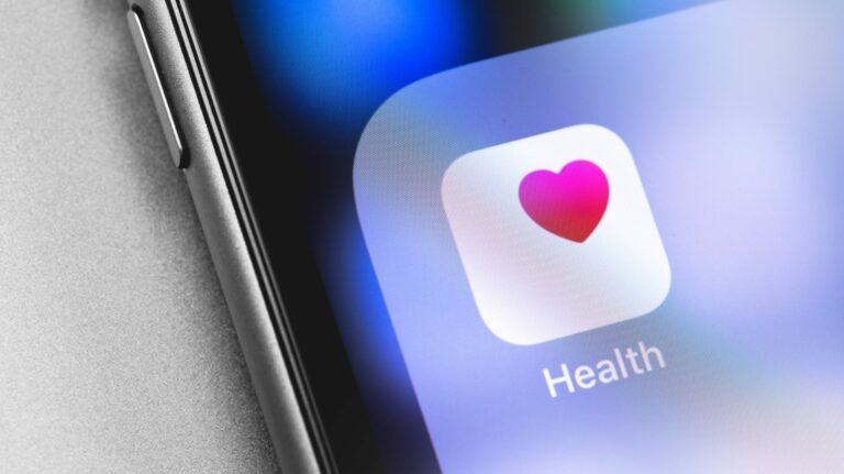 Как поделиться данными о здоровье iPhone с семьей и врачами