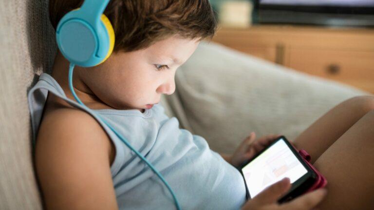 Как ограничить время экрана вашего ребенка на Android