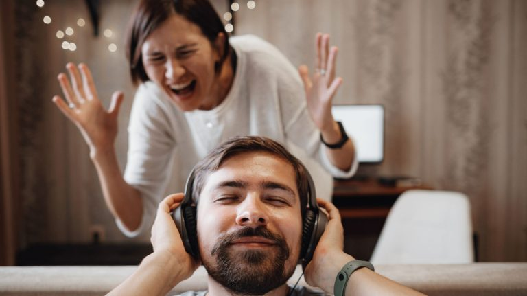 Что такое утечка звука?